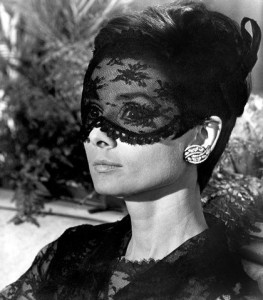 Veil Look : Audrey Hepburn 1966 From How to Steal a Million Movie